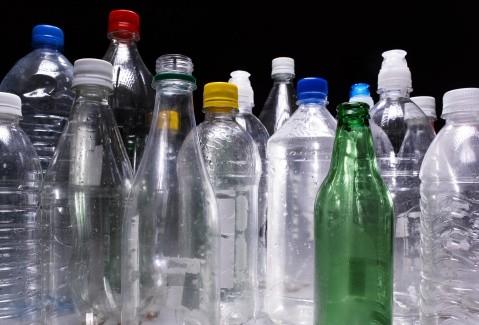 Vivienda De Botellas De Plástico