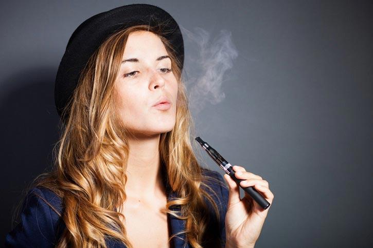 efectos del cigarillo electronico en dientes y encias