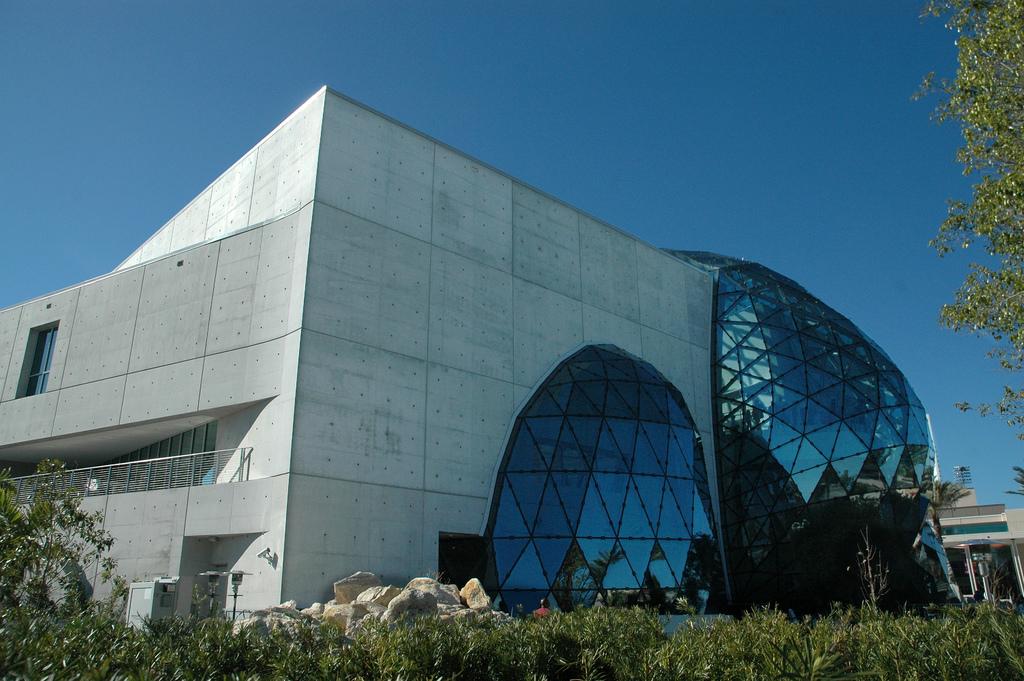El Museo Salvador Dalí De Florida Tiene Más De 2.000 Obras Del Artista