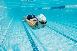 ¿Cómo Puede Afectar A Tus Dientes La Natación O El Submarinismo?