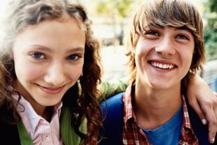 Cómo Prevenir La Gingivitis En La Adolescencia