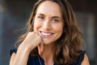 Relación Entre La Salud Bucodental Y La Menopausia